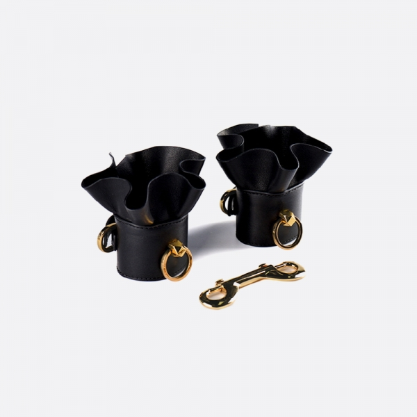 Leather lacelike handcuffs